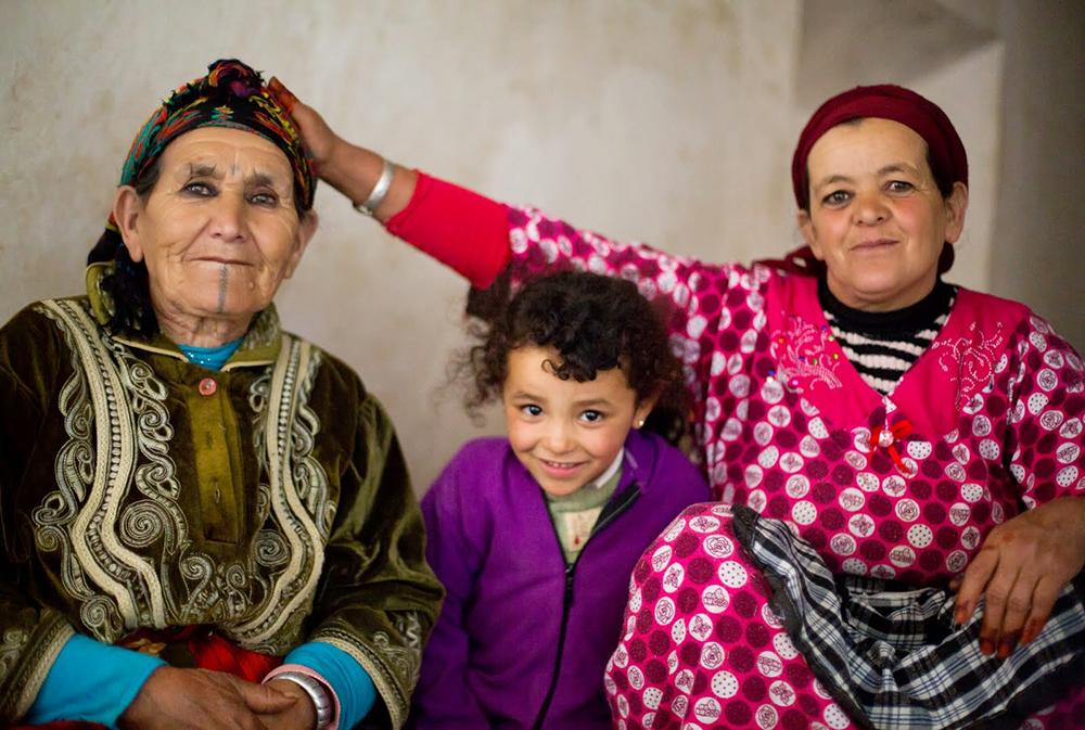 Femmes marocaines lors du séjour en famille entre Atlas et océan