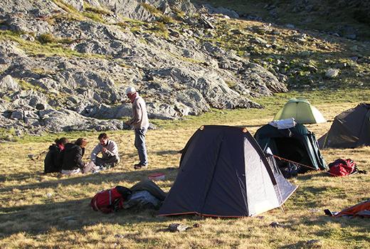 Campement lors d'un séjour adapté au handicap mental en France