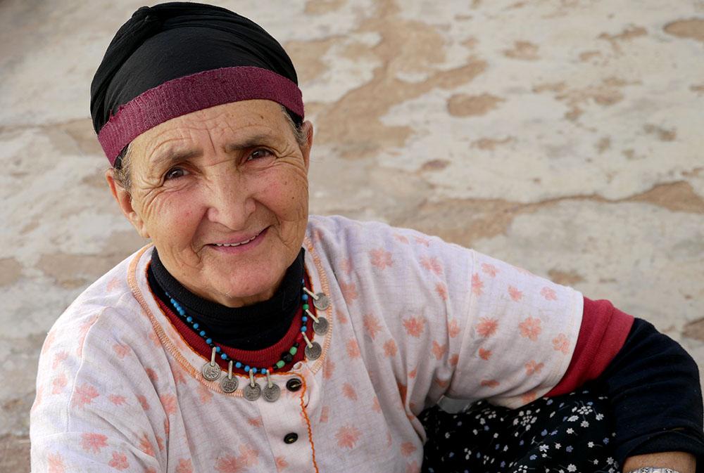 Femme lors des rencontres berbères au village de Tagmat