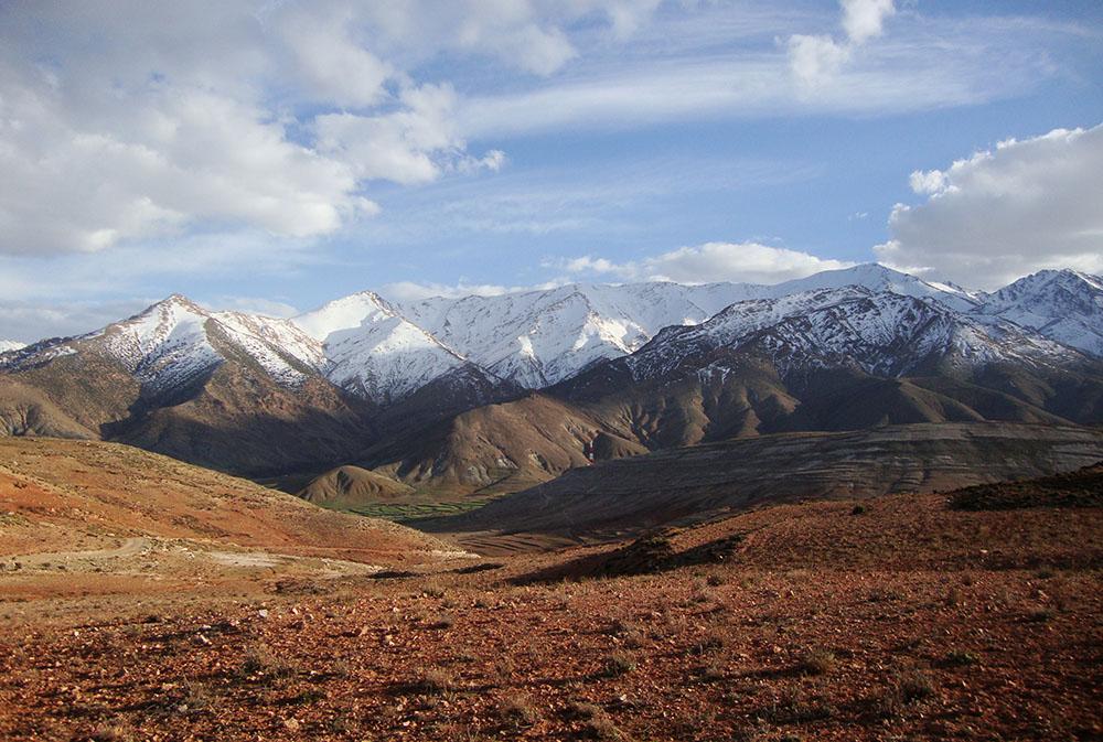 Montagnes enneigées lors des rencontres avec les Berbères