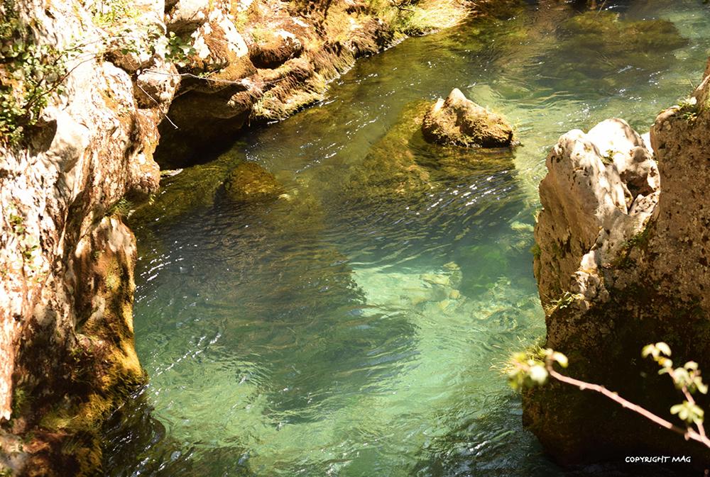 rivière lors du séjour flânerie et gourmandises Cévennes