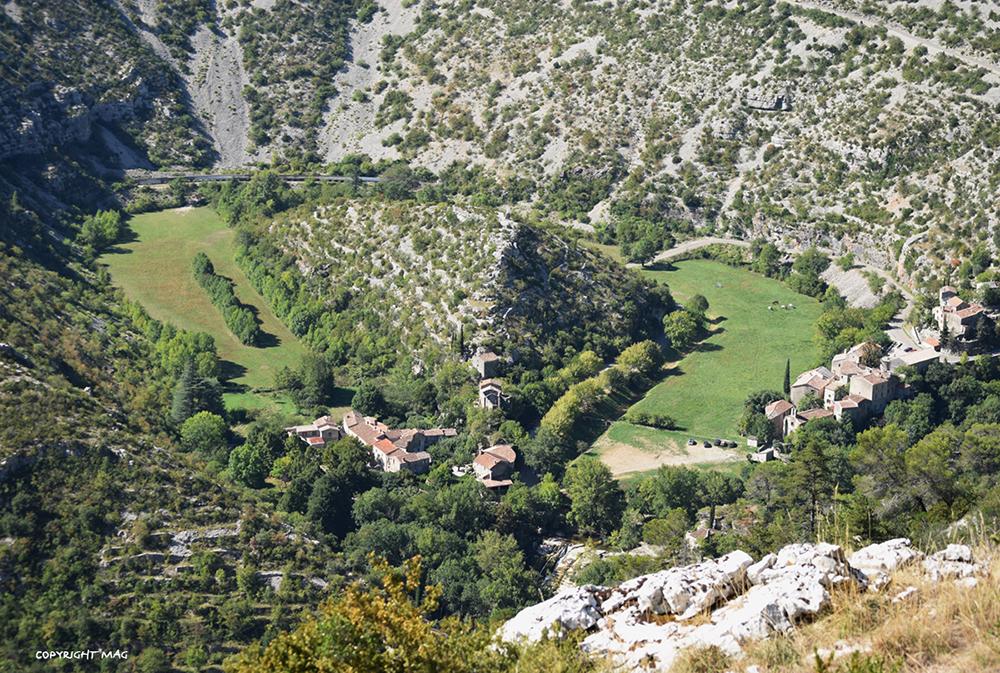 Petit village lors de flânerie gourmande dans les Cévennes