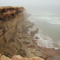 Falaise sur l'océan Atlantique lors du voyage au Maroc pour déficients visuels
