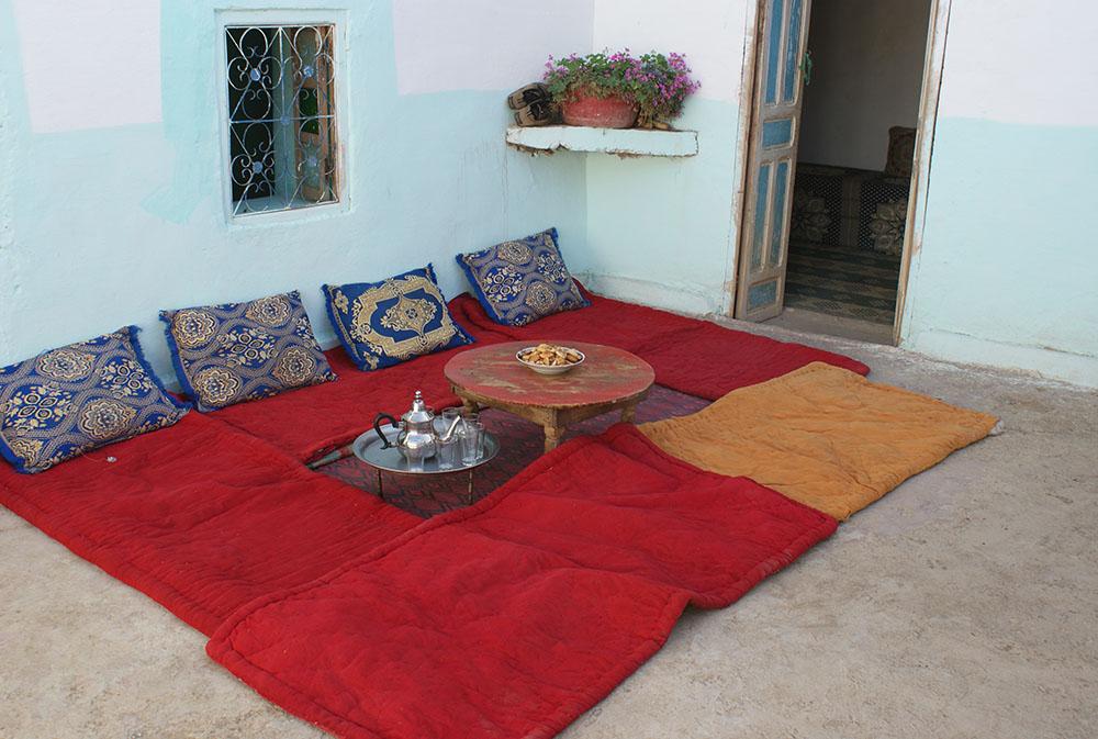 Salon marocain lors du voyage au Maroc pour déficients visuels