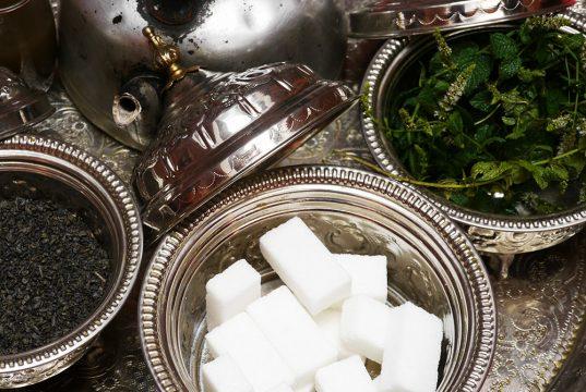Thé marocain lors du voyage au Maroc pour déficients visuels